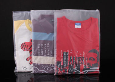China Custom Design Large Clear Plastic Bags With Zip Top For Garment PE Material supplier