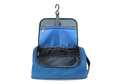 China Custom Travel Kit Hanging Toiletry Bag Polyester Waterproof Toiletry Bag With Hook For Men distributor